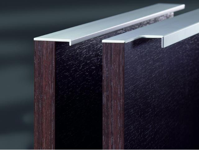 Extruded Handles
